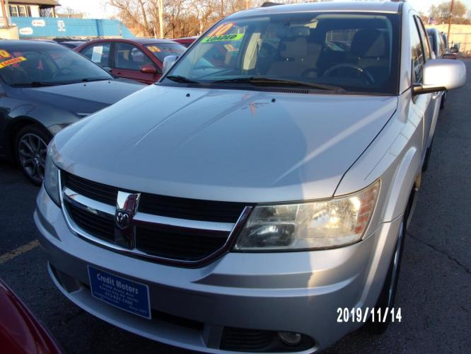 2010 Silver Dodge Journey (3D4PH5FV6AT) with an V6, HO, 3.5 Liter engine, Automatic, 6-Spd w/Overdrive transmission, located at 1400 State Avenue, Kansas City, 66102, (913) 621-1206, 39.116623, -94.644836 - Photo #0